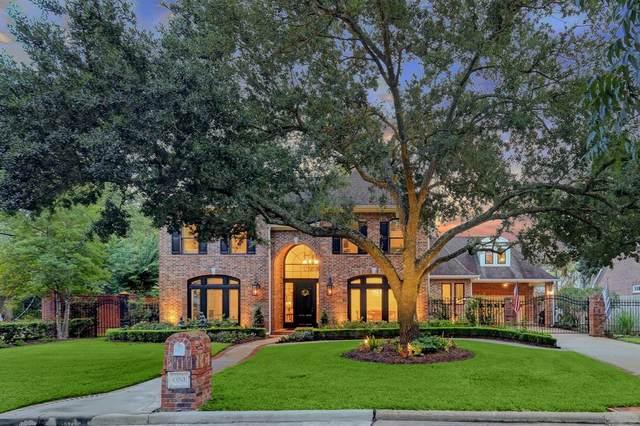 1 Martin Lane, Spring Valley Village, TX 77055 (MLS #57802667) :: The Property Guys