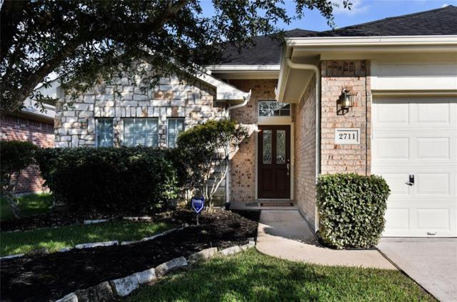 2711 Calico Creek Lane, Pearland, TX 77584 (MLS #57807875) :: Caskey Realty