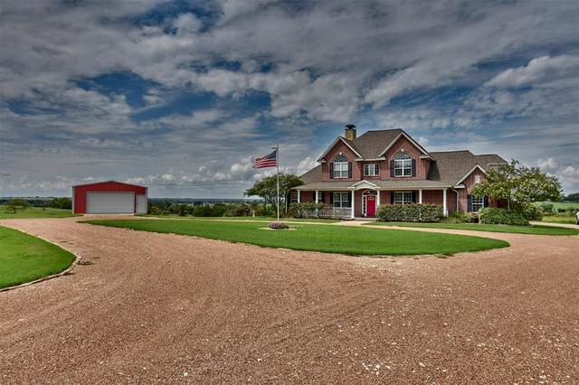9559 Club Road Road, Brenham, TX 77833 (MLS #58037439) :: The SOLD by George Team