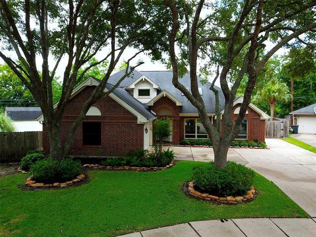 3523 Woodbine Place, Pearland, TX 77584 (MLS #58109851) :: The SOLD by George Team