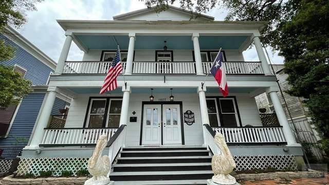 1607 Avenue L, Galveston, TX 77550 (MLS #58116526) :: Connell Team with Better Homes and Gardens, Gary Greene