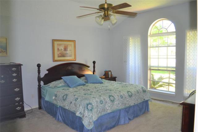 1196 Bayou Wood Circle, Angleton, TX 77515 (MLS #58296958) :: Fairwater Westmont Real Estate