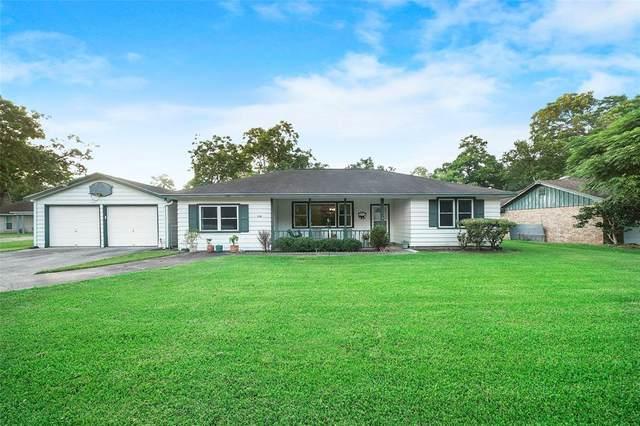 1710 Highway 332 W, Lake Jackson, TX 77566 (MLS #58379648) :: Lerner Realty Solutions