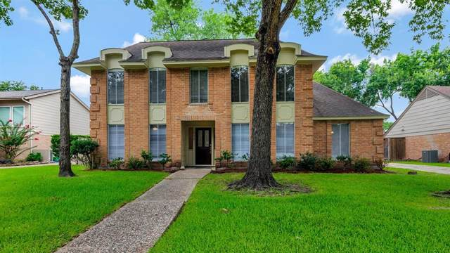 1802 Mossy Stone, Houston, TX 77077 (MLS #58669793) :: The Home Branch