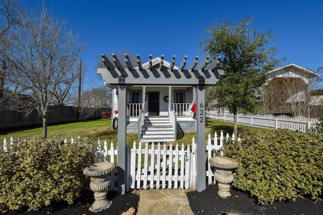 622 E Hacienda, Bellville, TX 77418 (MLS #58827972) :: Phyllis Foster Real Estate