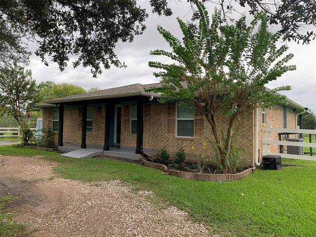 4736 County Road 57, Rosharon, TX 77583 (MLS #58852607) :: Michele Harmon Team