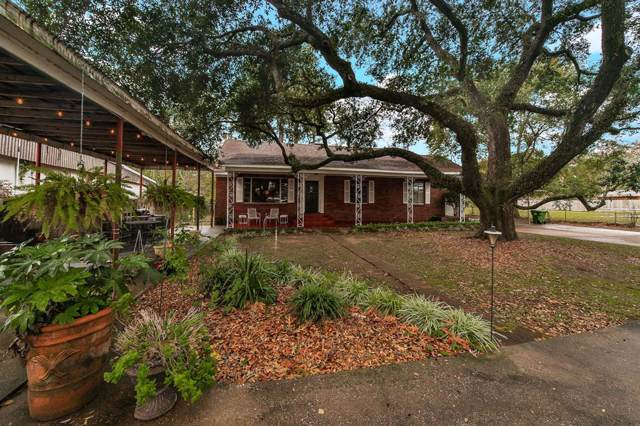 117 Wallisville Road, Liberty, TX 77575 (MLS #58857626) :: The SOLD by George Team