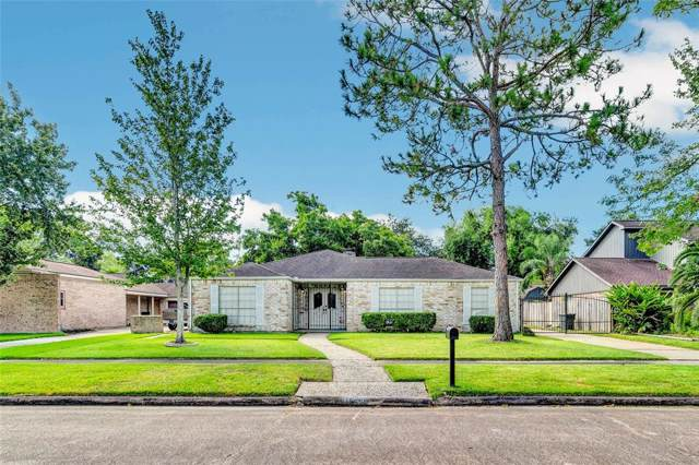 16386 Larkfield Drive, Houston, TX 77059 (MLS #58906587) :: The SOLD by George Team