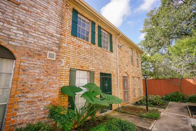 1715 Moritz Drive #7, Houston, TX 77055 (MLS #58923695) :: Michele Harmon Team