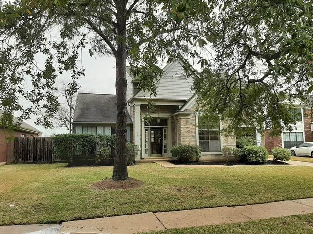 120 Bayou Bend Drive, League City, TX 77573 (MLS #59019571) :: Christy Buck Team