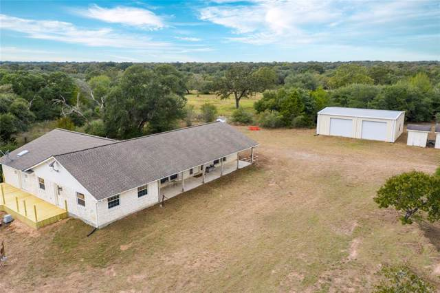 1060 E Branding Iron Road, Weimar, TX 78962 (MLS #59029172) :: The SOLD by George Team