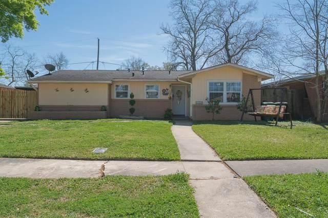 606 Sulphur Street, Houston, TX 77034 (MLS #59067777) :: Christy Buck Team