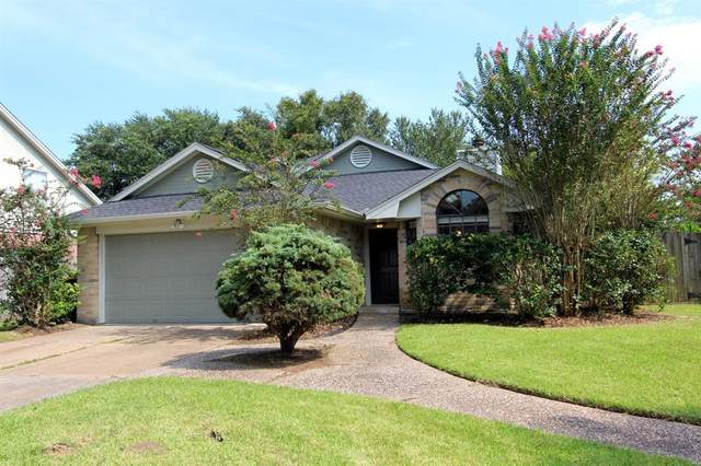 2615 S Brompton Drive, Pearland, TX 77584 (MLS #59172842) :: The Heyl Group at Keller Williams