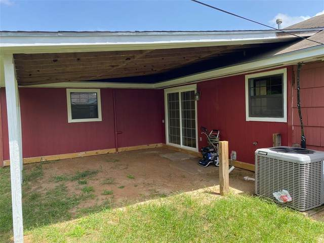 1506 W 11th Street, Freeport, TX 77541 (MLS #59759729) :: The SOLD by George Team