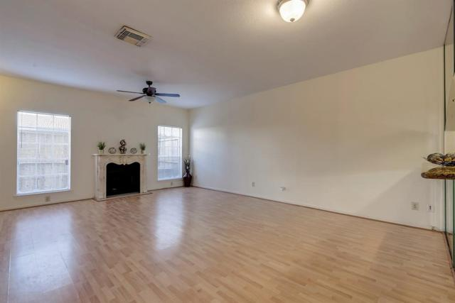 4001 Tanglewilde Street #1304, Houston, TX 77063 (MLS #59856259) :: REMAX Space Center - The Bly Team