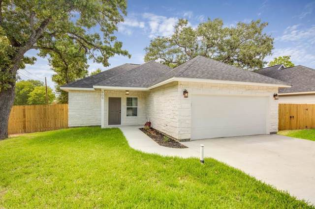 900 New York, Bryan, TX 77803 (MLS #59995770) :: NewHomePrograms.com LLC