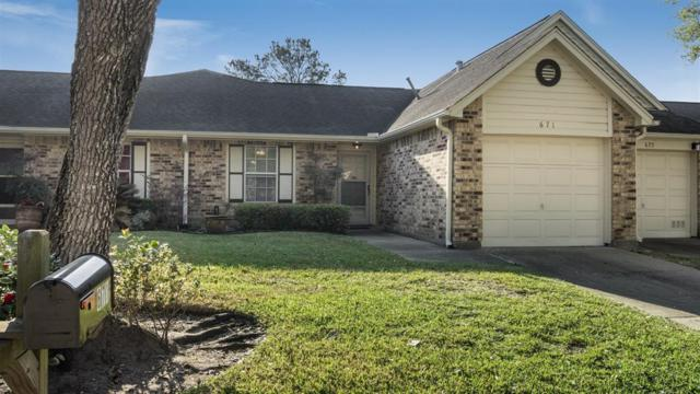 671 E Country Grove Circle, Pearland, TX 77584 (MLS #60014923) :: Oscar Fine Properties