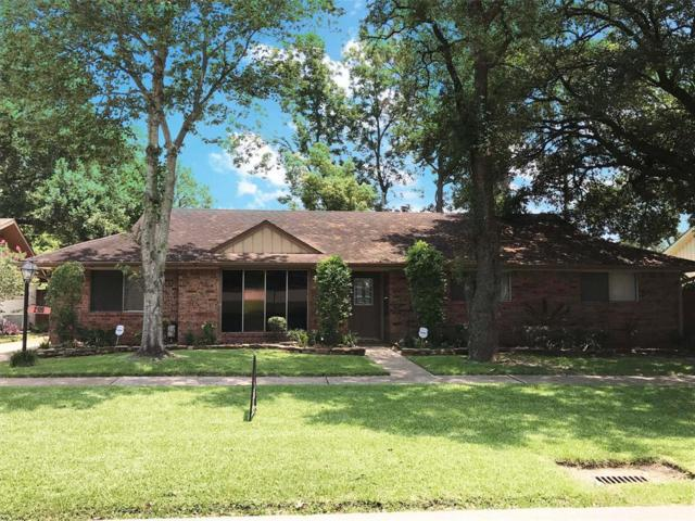 2109 Willow Dell Drive, Seabrook, TX 77586 (MLS #60048679) :: The Sold By Valdez Team