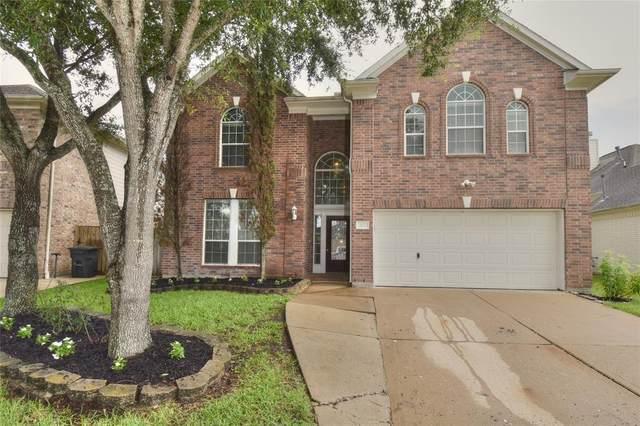 421 Cardinal Oaks, Kemah, TX 77565 (MLS #60114349) :: The SOLD by George Team