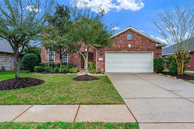2107 Rain Lily Court, Pearland, TX 77581 (MLS #60124962) :: Christy Buck Team