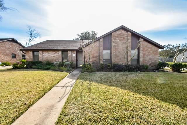 2851 Pepper Wood Drive, Sugar Land, TX 77479 (MLS #60132334) :: The Bly Team