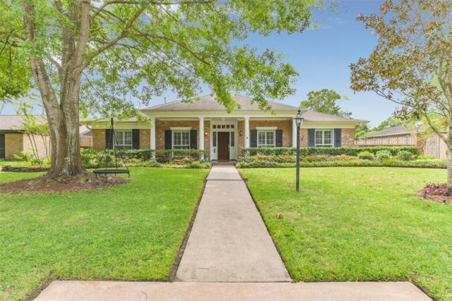 18606 Capetown Drive Drive, Nassau Bay, TX 77058 (MLS #60255073) :: The SOLD by George Team
