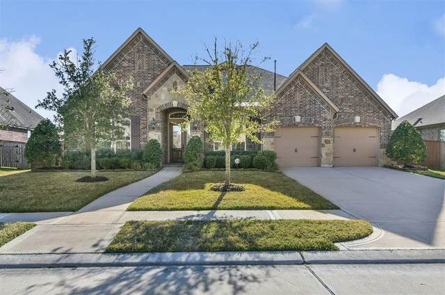 12102 Linden Walk Lane, Pearland, TX 77584 (MLS #60299385) :: Christy Buck Team