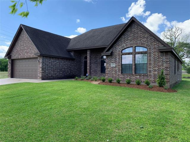 650 Mill Road, Angleton, TX 77515 (MLS #60495169) :: The SOLD by George Team