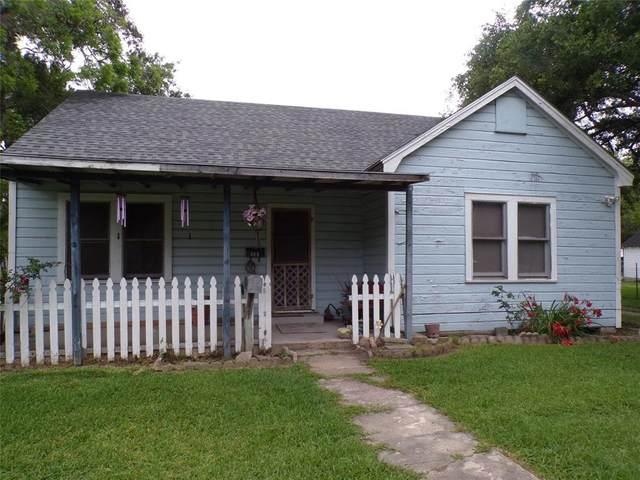 409 Mayfield Avenue, El Campo, TX 77437 (MLS #60550347) :: The Bly Team