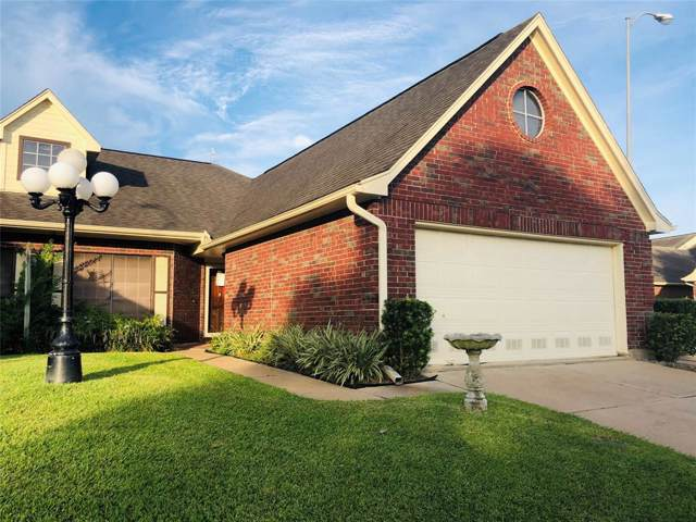 807 W Country Meadows Lane, Pearland, TX 77584 (MLS #60557982) :: The Heyl Group at Keller Williams