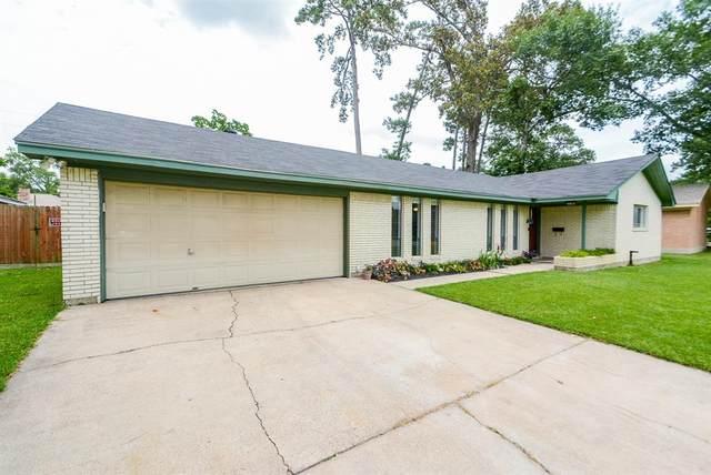 212 Oak Hollow Street, Conroe, TX 77301 (MLS #60809630) :: NewHomePrograms.com LLC