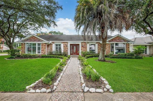 9718 Burdine Street, Houston, TX 77096 (MLS #60894950) :: The Queen Team