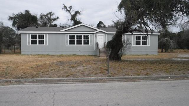 404 W Powell, Beeville, TX 78102 (MLS #60905933) :: The SOLD by George Team