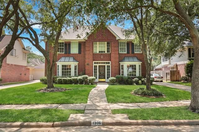 1306 Nails Creek Drive, Sugar Land, TX 77478 (MLS #61154540) :: The Heyl Group at Keller Williams