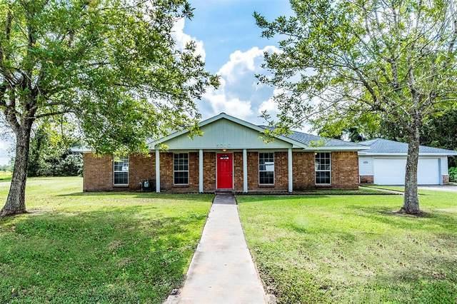 5010 Riverview Drive, Alvin, TX 77511 (MLS #61473786) :: Michele Harmon Team