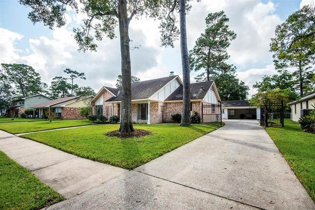 935 Hackberry Street, La Porte, TX 77571 (MLS #61506376) :: The Queen Team