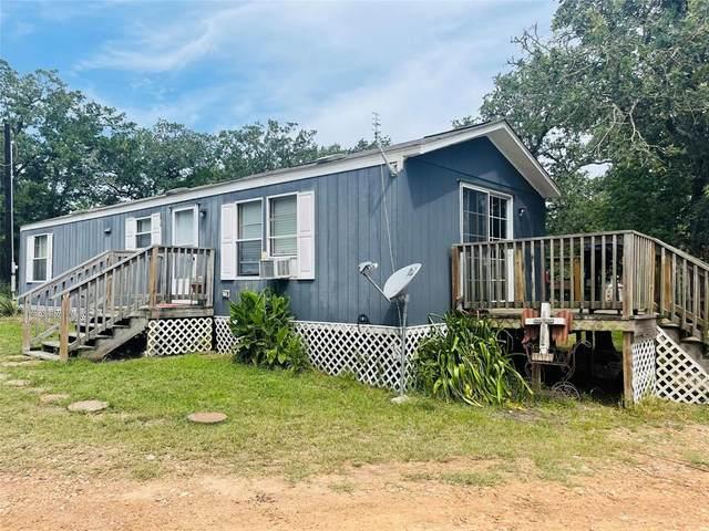 900 Raymond Lehmann Lane, Ledbetter, TX 78946 (MLS #61519428) :: My BCS Home Real Estate Group