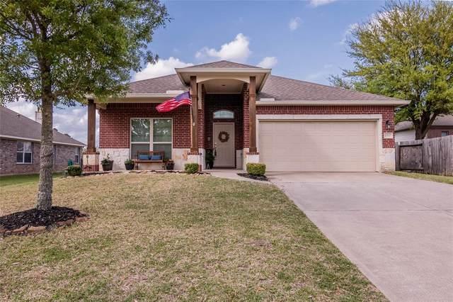 2300 Tarrytown Crossing Drive, Conroe, TX 77304 (MLS #61615517) :: Christy Buck Team