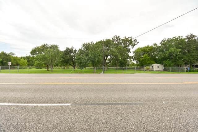 10109 Highway 6, Hitchcock, TX 77563 (MLS #61722190) :: Green Residential