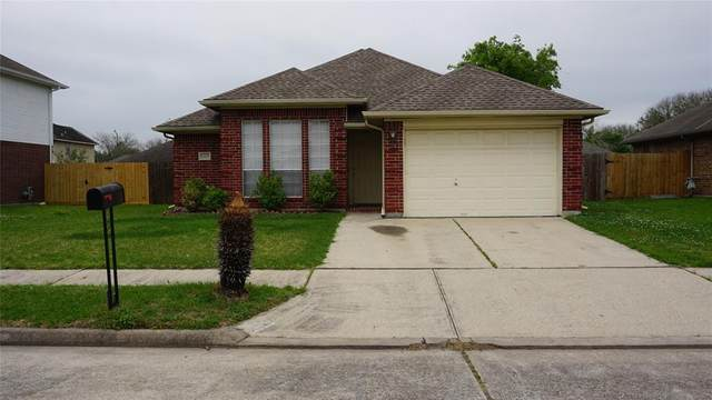 8303 Berkely Court, Baytown, TX 77521 (MLS #61784275) :: Connect Realty