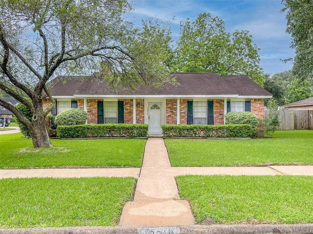 12018 Kirknoll Drive, Houston, TX 77089 (MLS #61820866) :: Michele Harmon Team