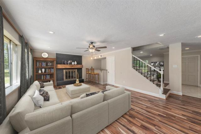 1102 Southern Hills Road, Houston, TX 77339 (MLS #62088730) :: The SOLD by George Team