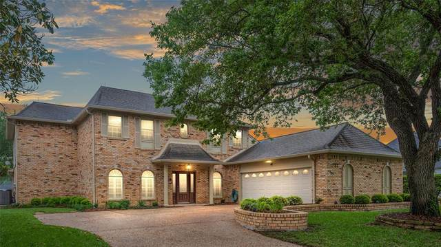 1722 Country Club Boulevard, Sugar Land, TX 77478 (MLS #62163650) :: Connell Team with Better Homes and Gardens, Gary Greene