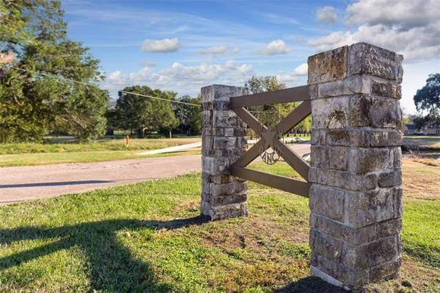 126 Stagecoach Trail NE, Angleton, TX 77515 (MLS #62357645) :: Ellison Real Estate Team