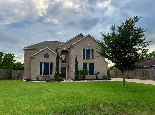 8011 Tallow Wood Court, Baytown, TX 77523 (MLS #62542330) :: Ellison Real Estate Team