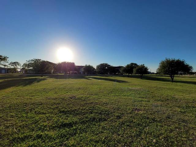 974-975 Bayview Drive, Palacios, TX 77465 (MLS #62560562) :: The SOLD by George Team