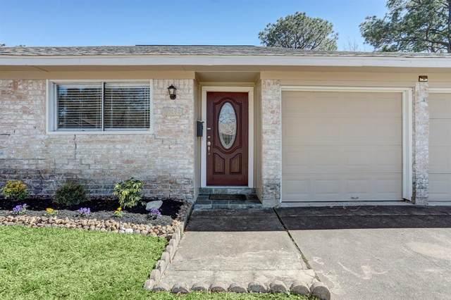 738 Seafoam Road, Houston, TX 77062 (MLS #62949896) :: Christy Buck Team