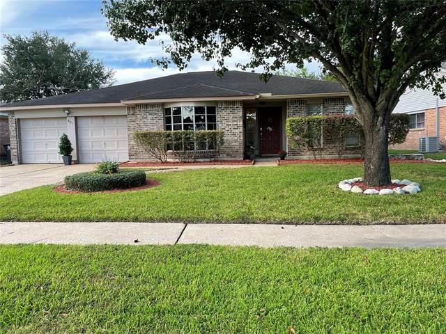 831 Seacliff Drive, Houston, TX 77062 (MLS #63019761) :: Caskey Realty