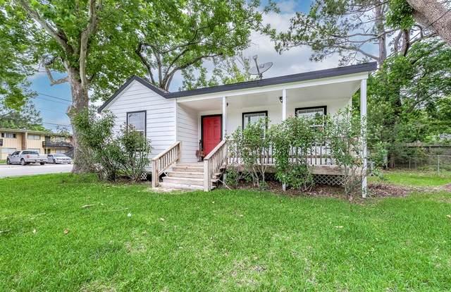1122 W Adoue Street, Alvin, TX 77511 (MLS #63082859) :: Green Residential