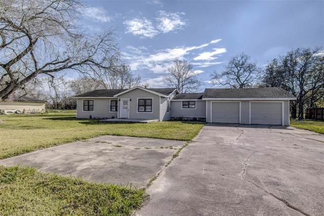 1527 County Road 597, Angleton, TX 77515 (MLS #63107809) :: The SOLD by George Team